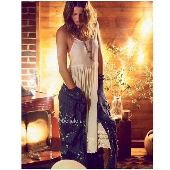 Free People Dresses & Skirts - 🎉 Host Pick🎉Free People bohemian crochet dress.